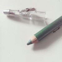 ELF shimmer pencil 7606 grassy green eyeliner