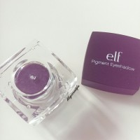 ELF studio pigment eyeshadow 81225 passionate purple pot